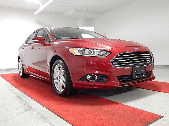 Pre-Owned 2014 Ford Fusion SE - NAV!! - REAR CAMERA!! - HEATED SEATS!!
