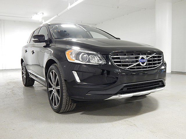 Pre-Owned 2015 Volvo XC60 T6 Drive-E Platinum - NAV - REAR CAMERA - PANO MOONROOF - HEATED SEATS - BLIND SPOT MONTIOR