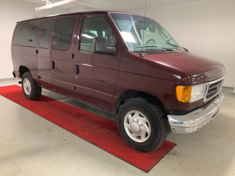 Pre-Owned 2006 Ford Econoline E350 Wagon XLT