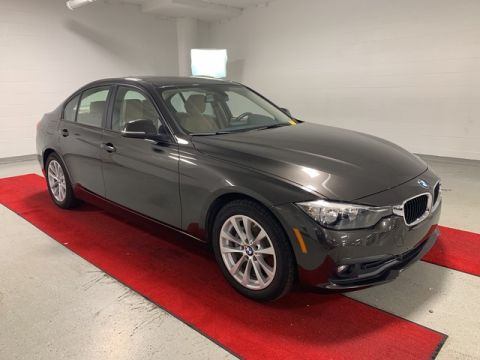 Pre-Owned 2016 BMW 320i xDrive - MOONROOF!! - HEATED SEATS!!