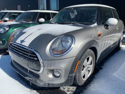 Pre-Owned 2016 MINI Hardtop 2 Door Cooper