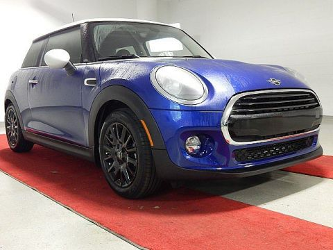 Pre-Owned 2019 MINI Hardtop 2 Door - SIGNATURE TRIM!! - PANO MOONROOF!! - REAR CAMERA!!