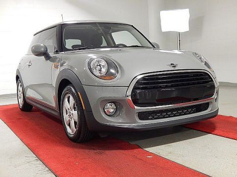 Pre-Owned 2019 MINI Hardtop 2 Door Classic
