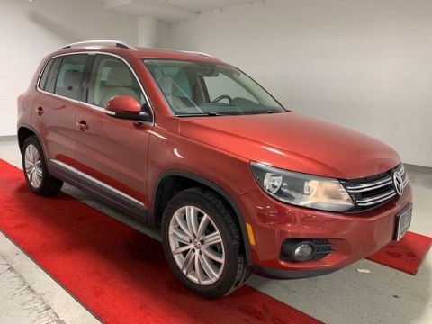 Pre-Owned 2015 Volkswagen Tiguan SE - HEATED SEATS!! - REAR CAMERA!! - PANO MOONROOF!! - LEATHER!!