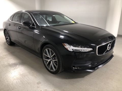 Pre-Owned 2017 Volvo S90 Momentum - NAV - REAR CAMERA - MOONROOF